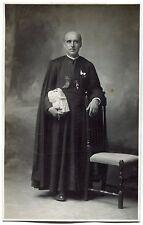 photo ancienne . A.Suzelé Prêtre . religieux . Abbé . médailles décorations