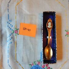 Collector Spoon Cameo (Resin?) - Goldtone Sp-40