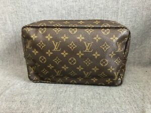Louis Vuitton Toiletry Bag Products For Sale Ebay All photos are of actual item being sold. louis vuitton toiletry bag products for