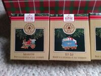 HALLMARK ORNAMENTS 1991 CLAUS & CO Set of 4 loco.,gift & passenger cars, caboose