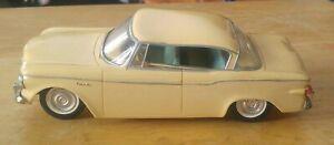 Johan 1960 STUDEBAKER Lark  1/25 scale Dealer Promo Friction Car Pale Yellow