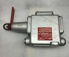 COOPER CROUSE-HINDS AFUX033305 CABLE PULL CONVEYOR CONTROL SWITCH NEW