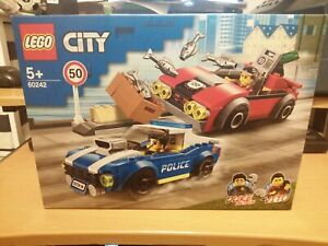 60242 LEGO City Police Police Highway Arrest 185 Pieces Age 5 Years+