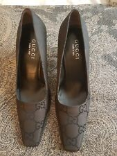 Gucci court shoes - brown with black logo - Size  38.5 / 5.5 UK - NEW