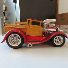 Muscle Machines 1929 Ford Model A Pickup  1:18 Scale Die Cast 2 Tone Red/Gold