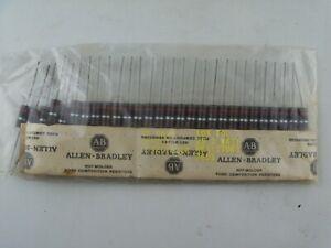 LOT of 25 x Allen Bradley RC42GF820K 2W, 82 Ohm, 10% Tol Resistors, 7651