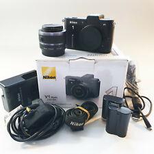 Nikon V1 - Black (Kit w/ VR 10-30mm Lens) + 2 Batteries