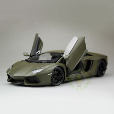 1:18 Lamborghini Aventador LP700-4 Diecast Welly FX Model 18041 Army Green