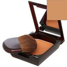 Productos de maquillaje marrón Shiseido