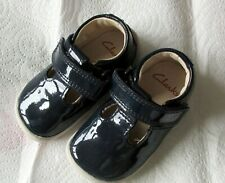 BABY GIRLS FIRST CRAWLING SHOES    Size 2F