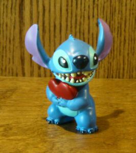 Disney Showcase Collection #6002185 STITCH w/ HEART, NIB From Retail Store 3.5""