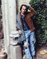 Johnny Depp UNSIGNED photo - 7194 - HANDSOME!!!!!