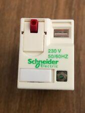 Schneider Zelio RXM - relais de puissance miniature 4OF - 230Vca  DEL RXM4AB2P7