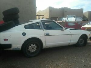 80 DATSUN 280ZX PARTING OUT LOTS OF GREAT PARTS LET ME KNOW WHAT YOU NEED
