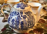 Sadler Blue Willow Teapot with Gold Accents Made in England