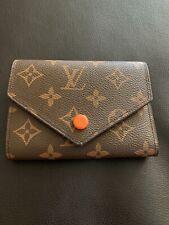 Small women wallet