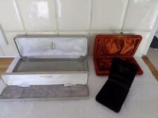 COLLECTION OF OLD & MODERN JEWELLERY BOXES. RETRO & VINTAGE JEWELRY CASES