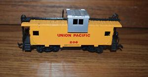 Ho Scale Bachman Union Pacific Caboose 206 Train Car 6 x 2 x 1.5 inch