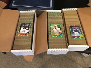 1986 Topps Football Card Commons Lot of 1500+ Cards Overall NM Condition