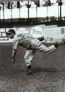 Johnny Vander Meer--Cincinnati Reds--Glossy 5x7 B&W Photo
