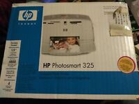 HP Photosmart 325 Digital Photo Compact Portable Inkjet Printer 4x6 prints NIB