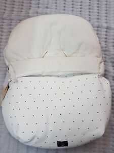 Uzturre Leatherette Carseat Footmuff Cover White Black Star & Fleece lining