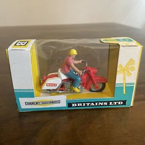 "Vintage Britains Ltd. Model 9689 Harley Davidson Motorcycle ""Buzz"" With Box"