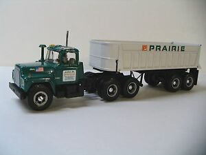 First Gear 1/34 Mack R Dump Trailer Prairie