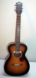 Guild M-240E Troubadour Westerly - Westerngitarre 4/4 mit passende Tasche