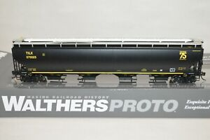 HO Walthers Proto 67' Trinity 4 bay covered hopper car TILX LEASE 75th 570025
