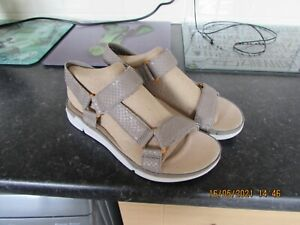 New Sage Snake Leather Clarks Trigenic Tri Sporty Sandals U.K.4.5D Eu37.5D Cute