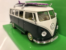 1963 Volkswagen T1 Bus 1:24 Green Cream with Surfboard Welly 22095SBG