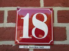 Hausnummer Emaille Nr 18 weiße Zahl roter Hintergrund 18 cm x 18 cm Baujahr 2020