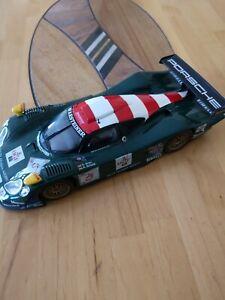 Porsche 911 GT 1, 1998 in 1:18 von MAISTO