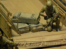 """RETIRED"" Build-a-Rama 1:32 Hand Painted WWII Deluxe Crate Set (3) Desert  Tan"