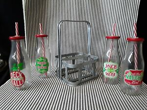 NWT SET OF 4 PIER 1 CHRISTMAS HOLIDAY METAL CARRIER CADDY MILK BOTTLES & STRAWS