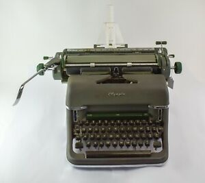 1960s Vintage Olympia SG-1 DeLuxe Desktop Manual Typewriter - NO RESERVE KL40