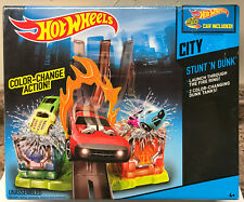 2013 Hot Wheels City Stunt 'n Dunk Play Set