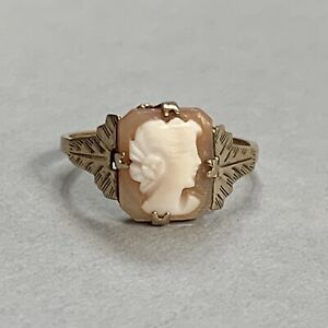 Vintage 9ct Gold Cameo Ring Carved Shell Size L.5