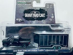 1/64 GREENLIGHT HOLLYWOOD GRAVEYARD CARZ 2016 DODGE RAM 2500 & TRAILER SET CHASE