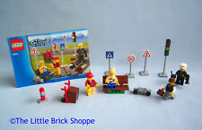 Lego City 8401 CITY MINIFIGURE COLLECTION - Complete with instructions