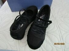 Skechers Black Relaxed Fit Cooled Memory Foam Sz 10 Textile Leather Upper Shoes