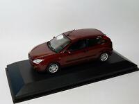 Ford Focus 3 portes   au 1/43 de MINICHAMPS
