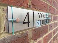 MODERN HOUSE SIGN PLAQUE DOOR NUMBER STREET NAME GLASS EFFECT ACRYLIC ALUMINIUM