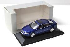 1:43 Minichamps VW Phaeton Limousine Blue dealer New en Premium-modelcars