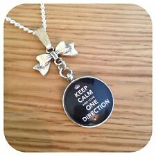One**direction ** BOY ** BAND keep calm bow  round necklace