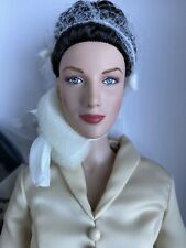 """TONNER OUTLANDER Claire Fraser CLAIRE'S NEW LOOK 16"""" Doll NRFB Caitriona Balfe"""