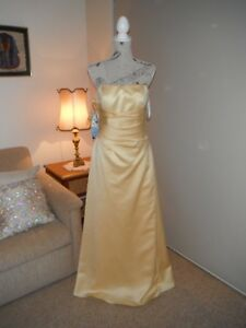 Designer Alfred Angelo Ladies Sunshine Formal/Evening Gown Size 12