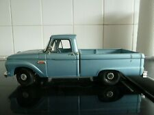 SUNSTAR FORD F100 1965 pick up 1/18th scale  american v8