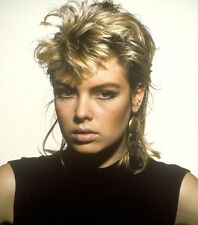 Kim Wilde UNSIGNED photo - 8651 - GORGEOUS!!!!!